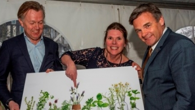 Idea 'Officinalis' wins competition heart line