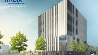 Universiteit Leiden en HALIX ondertekenen leveringsakte grond